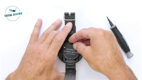How to change the battery on a Suunto Zoop & Vyper Novo