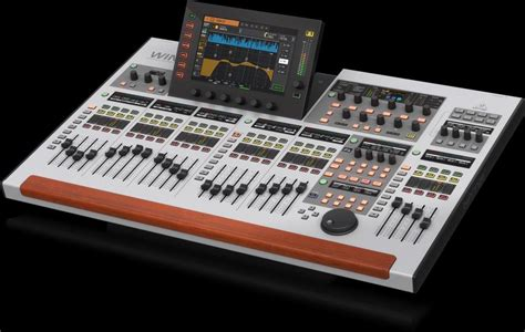 """Behringer WING 48-Kanal Stereo Digitalmixer mit 10"""" Touch"""