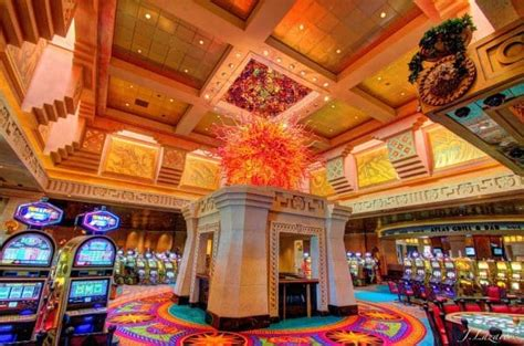 Simon's Guide to Online Casinos in the Bahamas